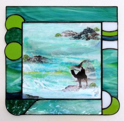 """""""Désert d'eau"""", collage, acrylique, gouache, sur carton gris 20x20 cm + cadre vitrail"""
